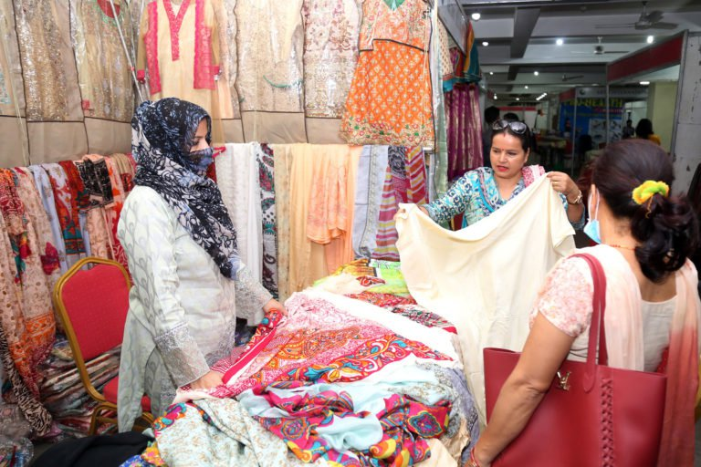 3-Stalls at Made-in-Pakistan-Expo.jpg