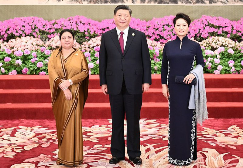 Chinese-President-Xi-Jinping-and-his-wife-Peng-Liyuan-welcome-Nepali-President-Bidya-Devi-Bhandari-Photo-XinhuaXie-Huanchi.jpg
