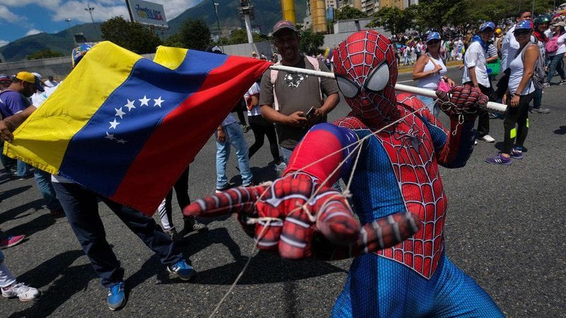 Clashes-break-out-in-Venezuela-border-towns-6.jpg