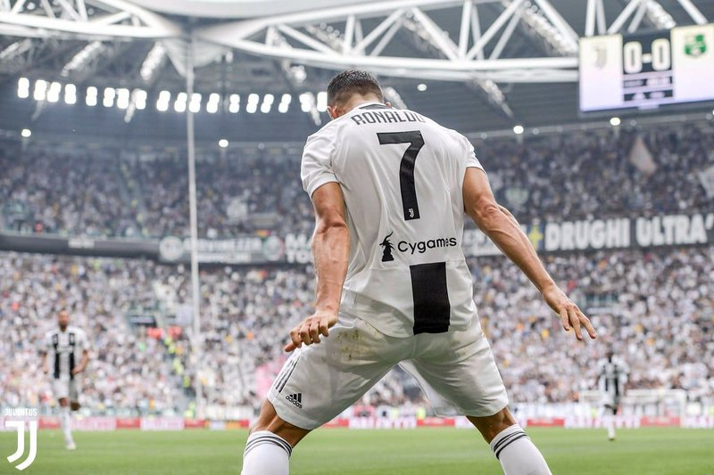 Cristiano-Ronaldo-finally-scores-first-goal-for-Juventus-12.jpg