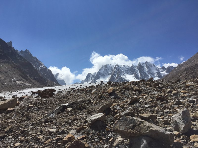 Debris-cover-over-Chhota-Shigri-Glacier-tongue-4300-m-a.s.l..jpg