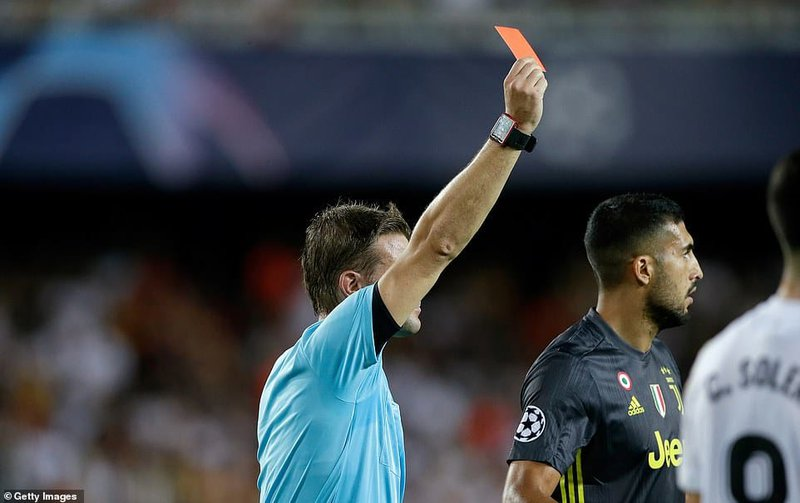 Felix-Brych-refereeing-the-match-was-quick-to-pull-out-his-red-card.jpg