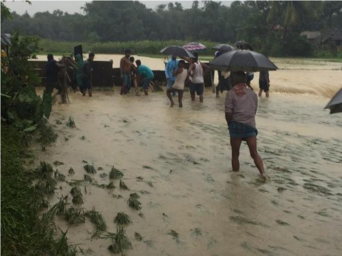 Flood in Saptari near Hanumannagar.jpg