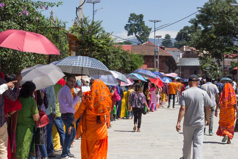 People queuing in front of Pashupatinath temple during Sharwan Monday festival.jpg