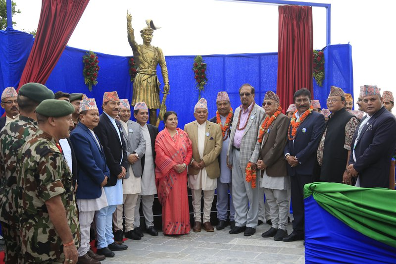 President_Unveiled_statue_Prithivi_Narayan_Shah010_MG_7990-24092017074852.jpg