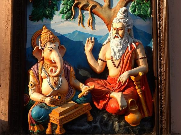 Sage_Veda_Vyasa_and_Lord_Ganesha.jpg