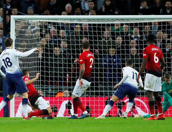 3463937aa Premier League  David De Gea s Saves Help Manchester United Beat Tottenham  At Wembley